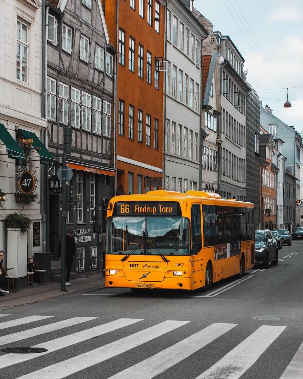 Polscy emigranci zarobkowi i międzynarodowy transport osobowy